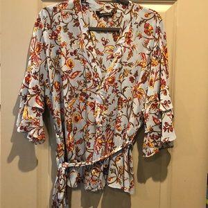 Zara woman wrap floral top